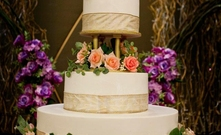 http://cdnpwi.perfectweddings.sg/thumbs/exact/221x135//images/perfectbride/a98b79a58e602600d7a719422da0f98f-11- Wedding Cake (2).jpg